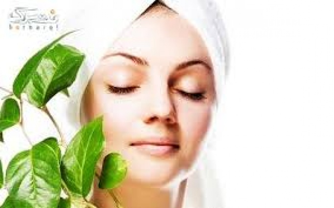 نقش حنا و پاکسازی پوست در آرایشگاه سپیده