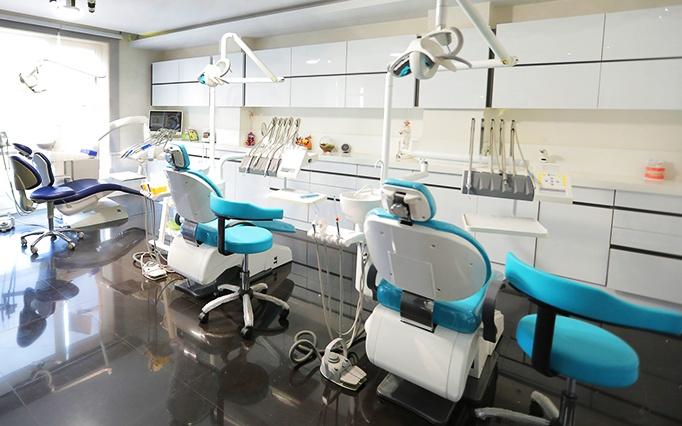 کامپوزیت دندان توسط دکتر حامیان
