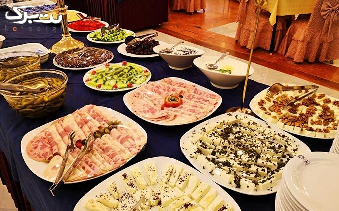 بوفه صبحانه متنوع در هتل 5 ستاره پردیسان