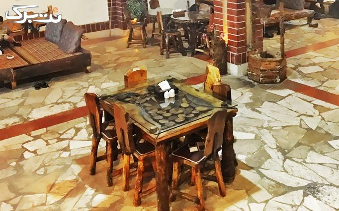 رستوران سنتی پیشینه با منوی باز و چای سنتی
