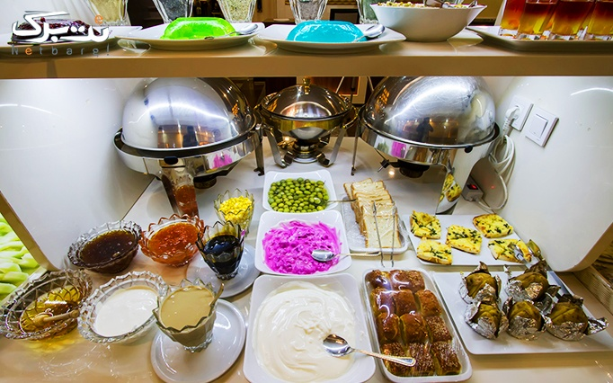 بوفه صبحانه در هتل پامچال