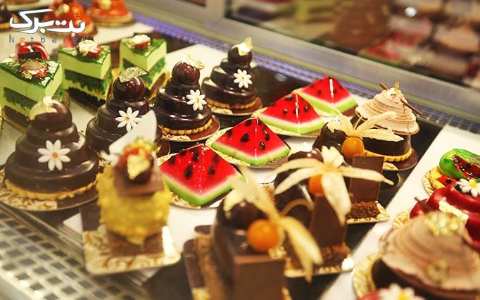 شیرینی جشنواره با انواع شیرینی و کیک خوشمزه و تازه