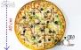 پیتزا خانواده 4نفره در رستوران تخصصی کودک پینگو