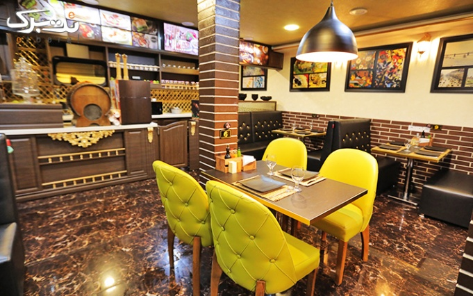 غذاهای فست فودی و ترکی در رستوران بیف