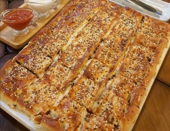 پیتزا بعلبکی کباب ترکی مخلوط در پاپریکا لبنان