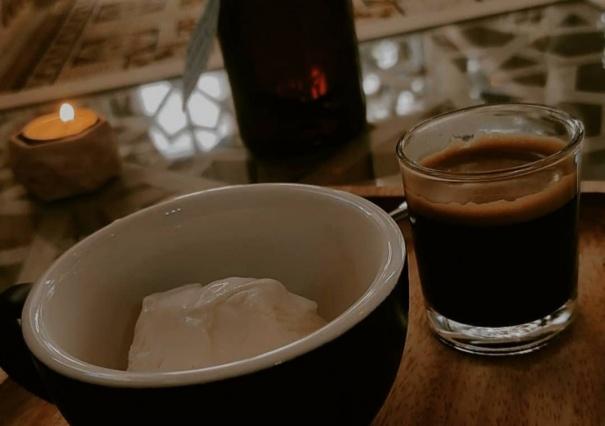 کافه نسیم همدلی با منو نوشیدنی های گرم و سرد