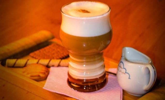 کافه رستوران پابلو با منو نوشیدنی های گرم و سرد