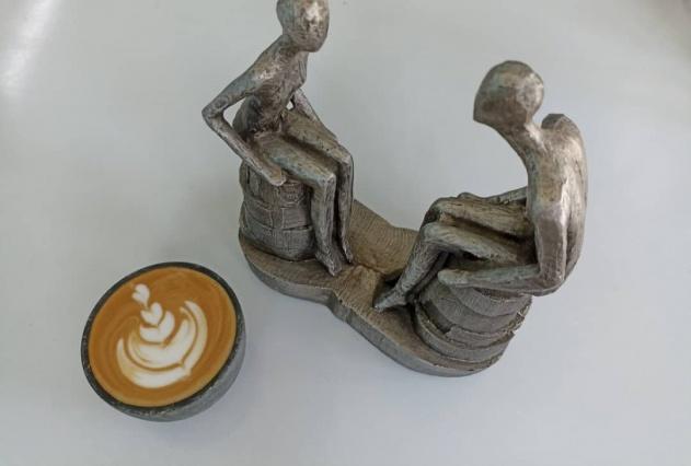 کافه دوک با منو نوشیدنی های گرم و سرد ( بیرون بر )