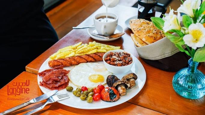 کافه رستوران لانجین با منو صبحانه خوشمزه