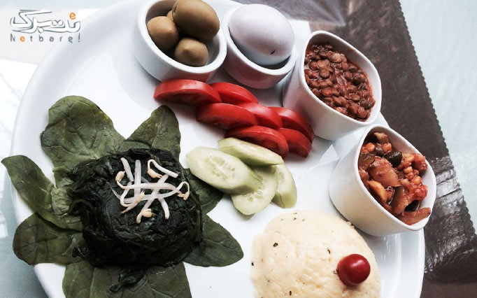 صبحانه متنوع و خوشمزه در رستوران حافظ