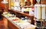 رستوران هتل مروارید با بوفه صبحانه ی متنوع