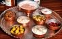 رستوران رستاک با منو باز غذاهای ایرانی و چای سنتی