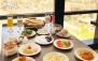 بوفه صبحانه در رستوران ایتالیایی هات پات