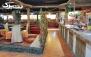 رستوران دلنوازان با سرویس سفره خانه ای و منوی باز غذا