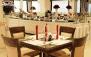 رستوران لوکس برازنده با منوی باز و موسیقی زنده